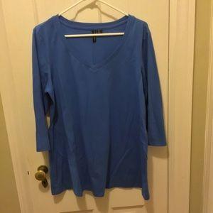 Cynthia Rowley 1x v neck tee royal blue